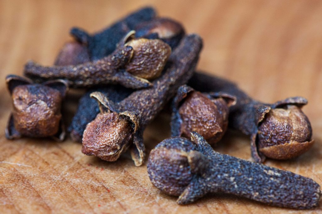 how to use cloves for tooth pain