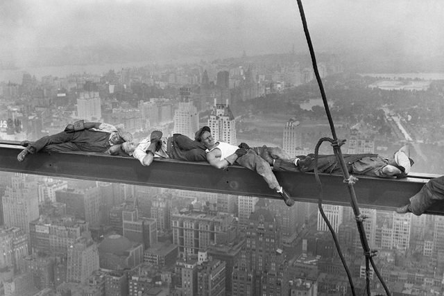 construction-workers-resting