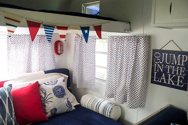 country-woman-happy-campers-patriotic-pillows