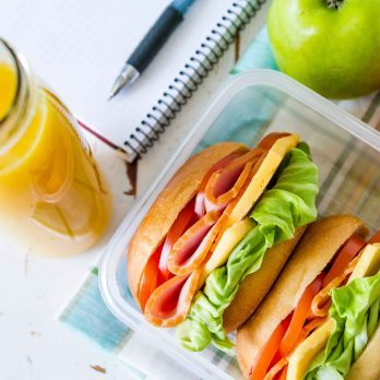 14 Things Healthy, Happy People Do on Their Lunch Breaks