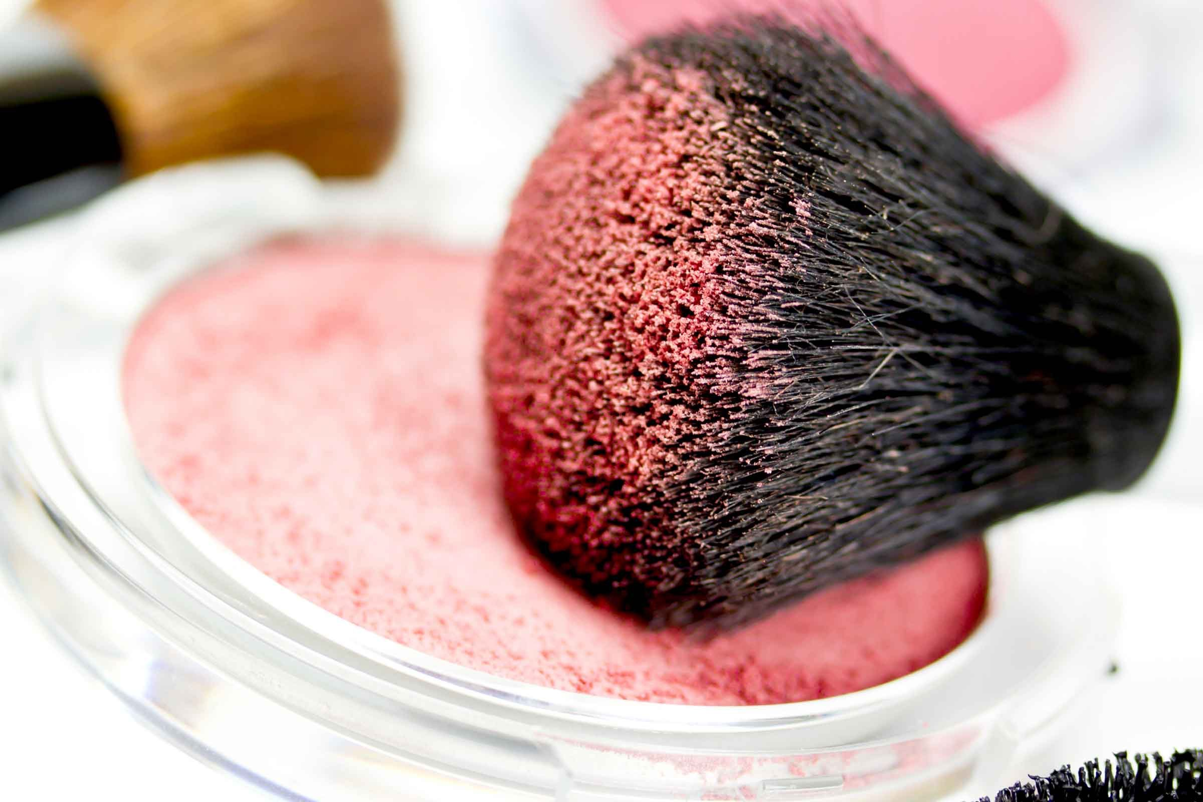 Makeup for Dry Skin: Mistakes That Make Skin Look Dry | Reader\'s Digest
