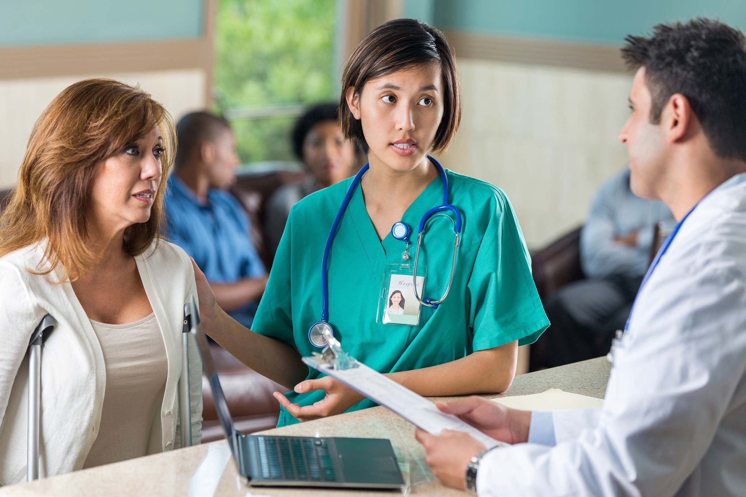 Secrets the Emergency Room Staff Won't Tell You | Reader's