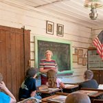 This Retired Teacher Restored a One-Room Schoolhouse to Give Epic History Lessons