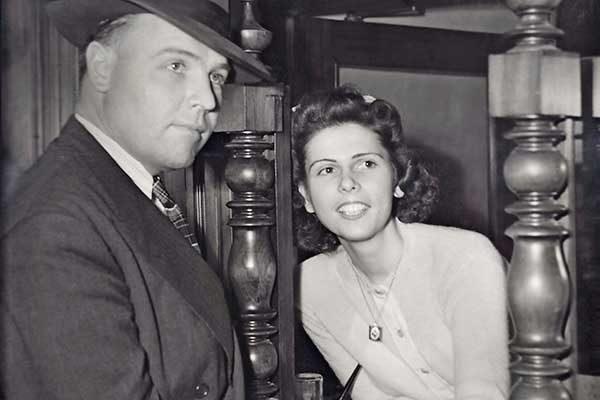 Reminisce Magazine vintage bank teller woman robbed