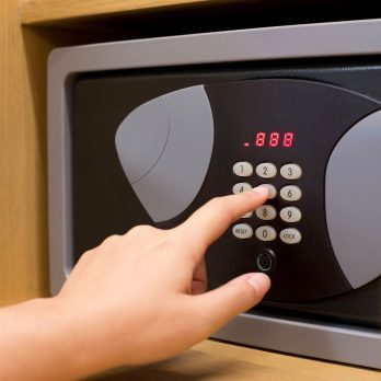 Don't Trust the Hotel Safe, and Other Surprising Rules to Protect Your Stuff on Vacation