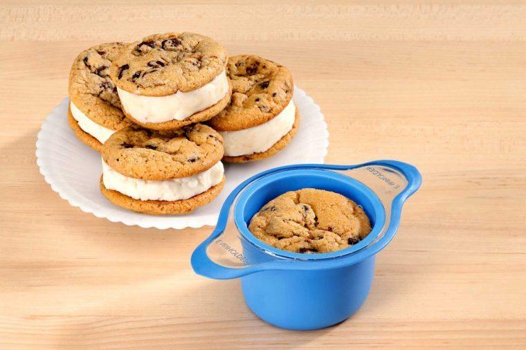 weird-kitchen-gadgets-ice-cream-sandwich