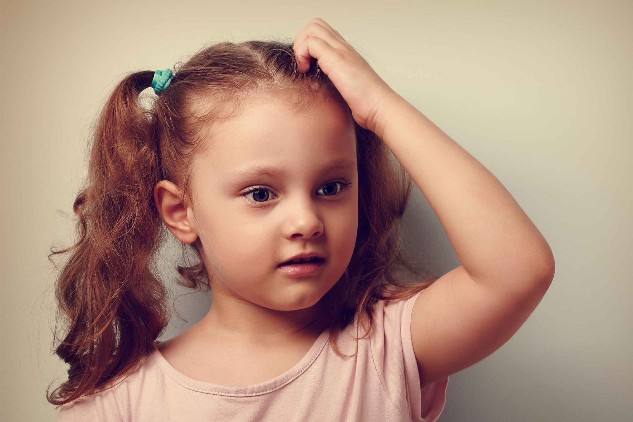 Head Lice Symptoms 7 Things To Look For Reader S Digest