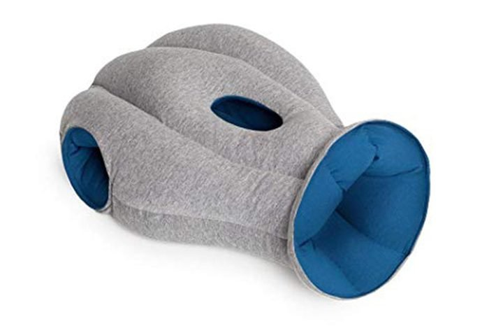 02_A-pillow-that-lets-you-sleep-ANYWHERE
