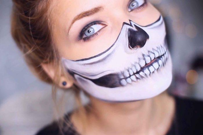 03-halloween-makeup-skull
