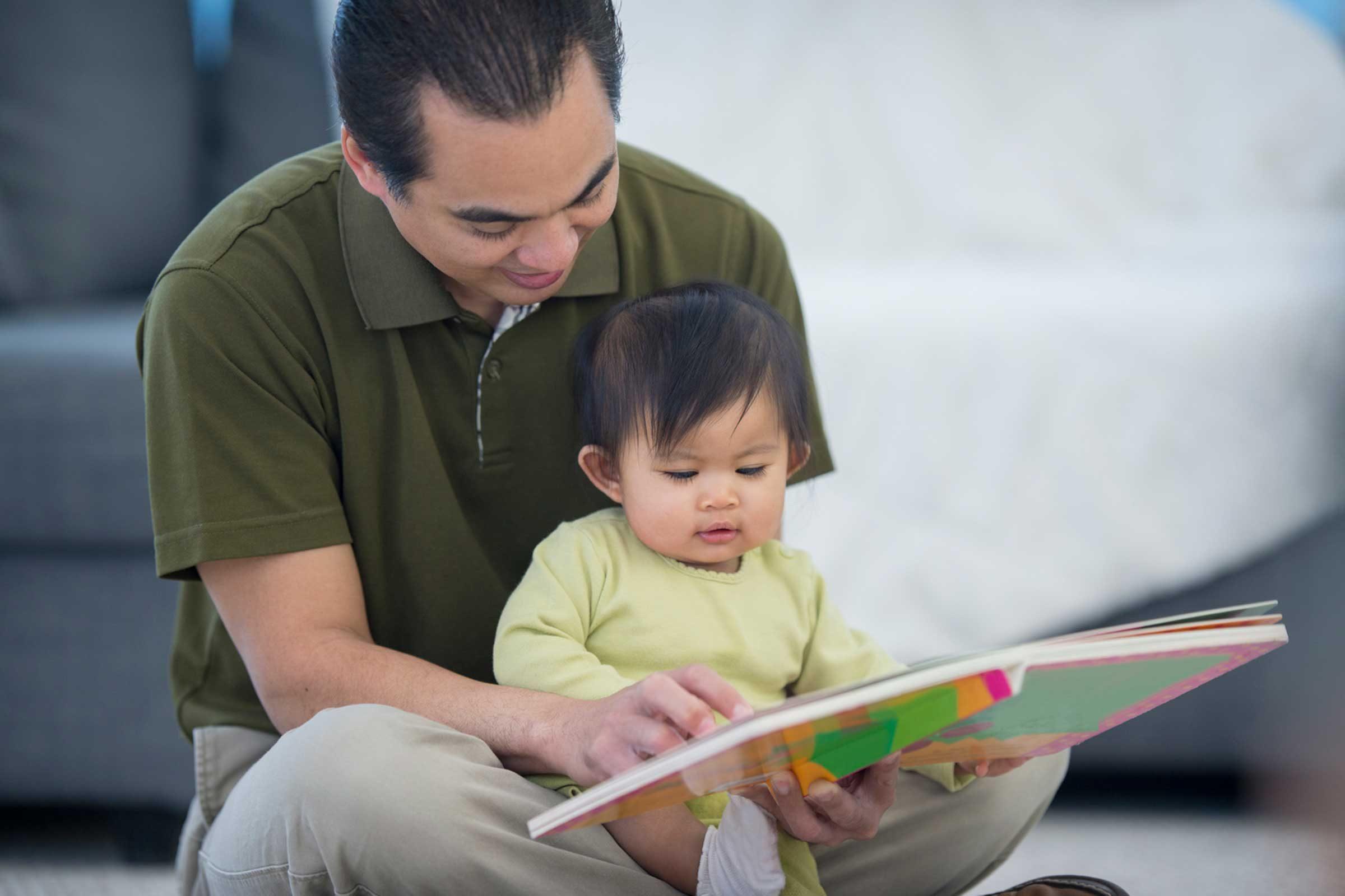 03_read_to_children_infants_Christopher