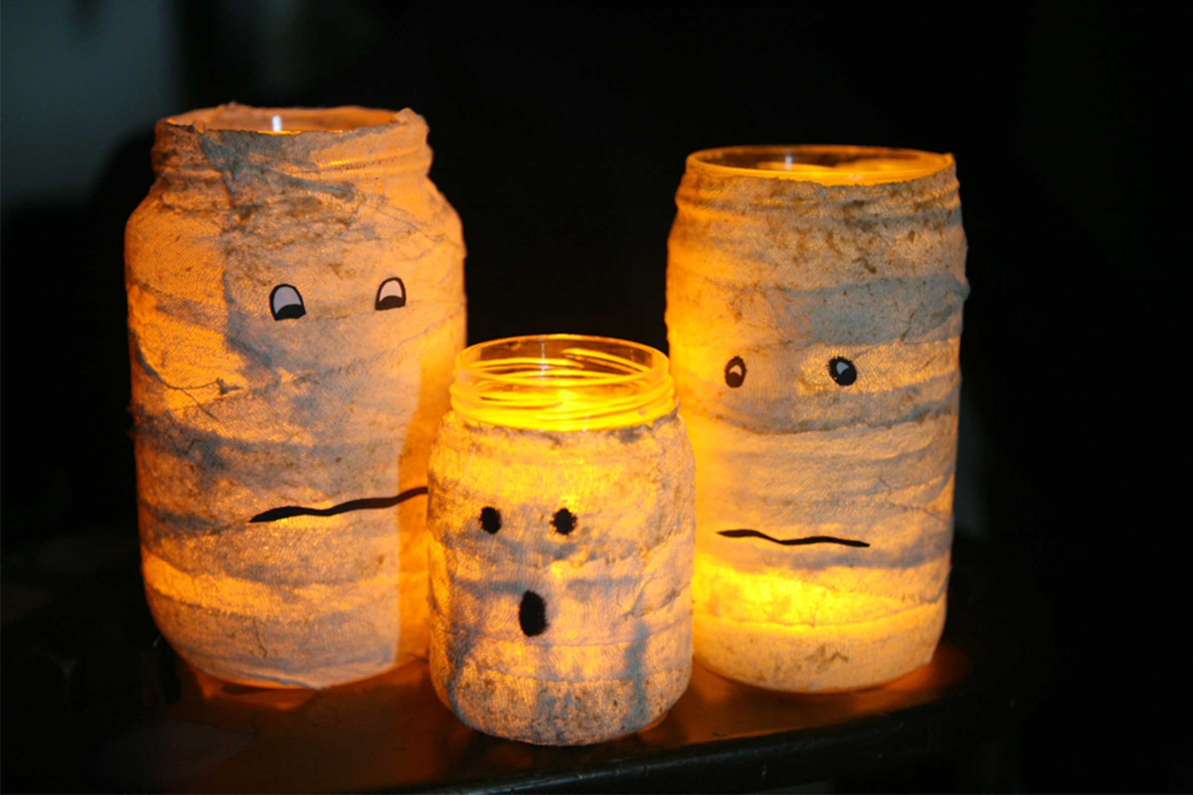 easy halloween crafts for kids | reader's digest