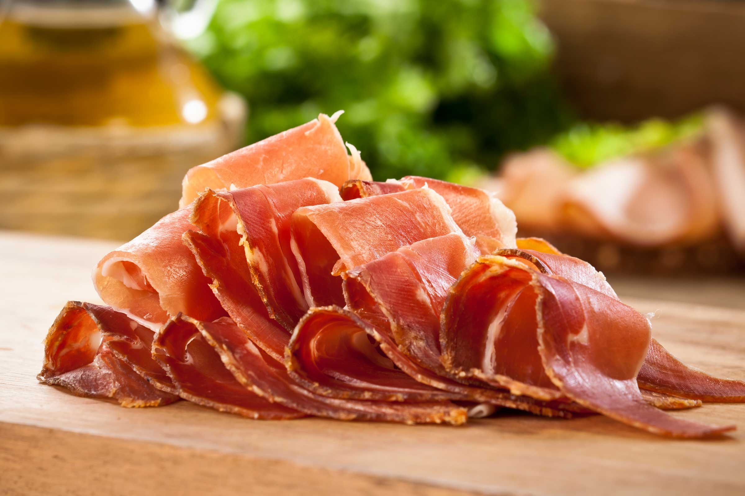 9Signs That Your Body Might Not BeProperly Digesting Meat