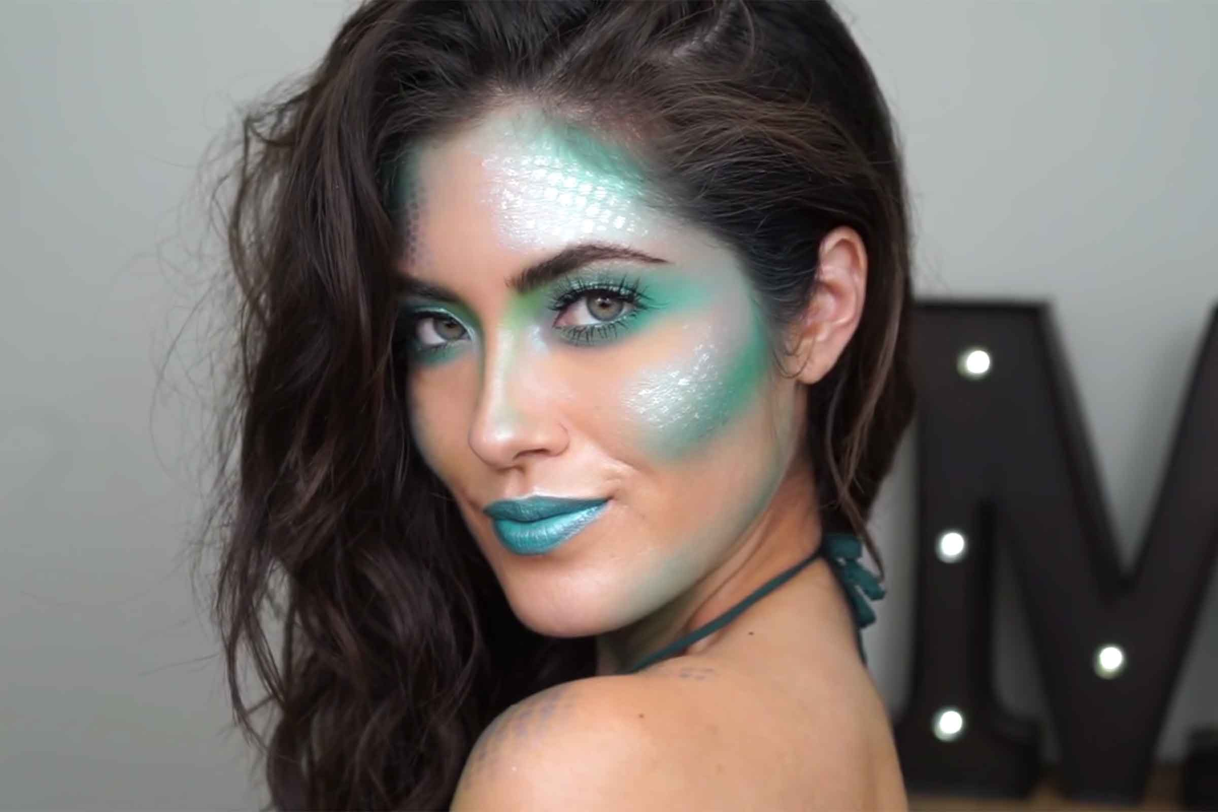 Easy halloween makeup ideas anyone can master readers digest mermaid solutioingenieria Images