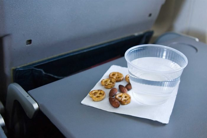06_food_on_tray_travel_trips_airplane_Leslie