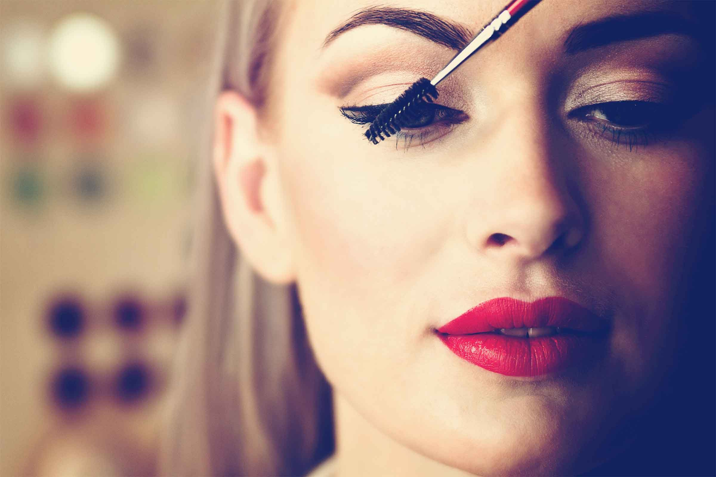 How To Apply Lipstick Like The Pros Readers Digest
