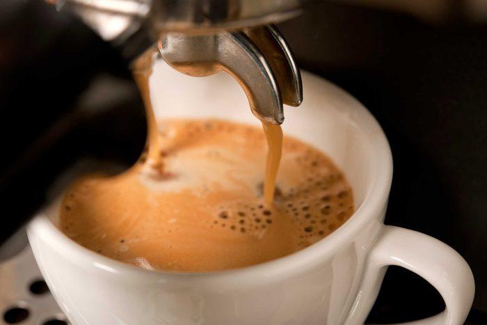 09_coffee_tea_travel_tips_airplane_john