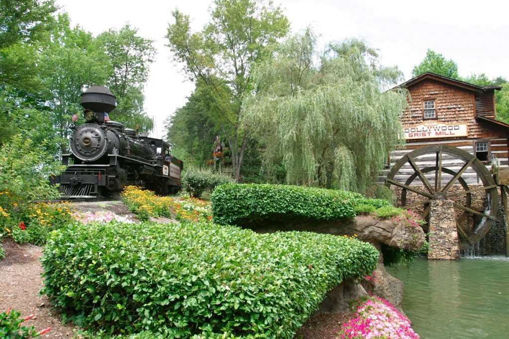 Dollywood--DW-Express-and-Grist-Mill