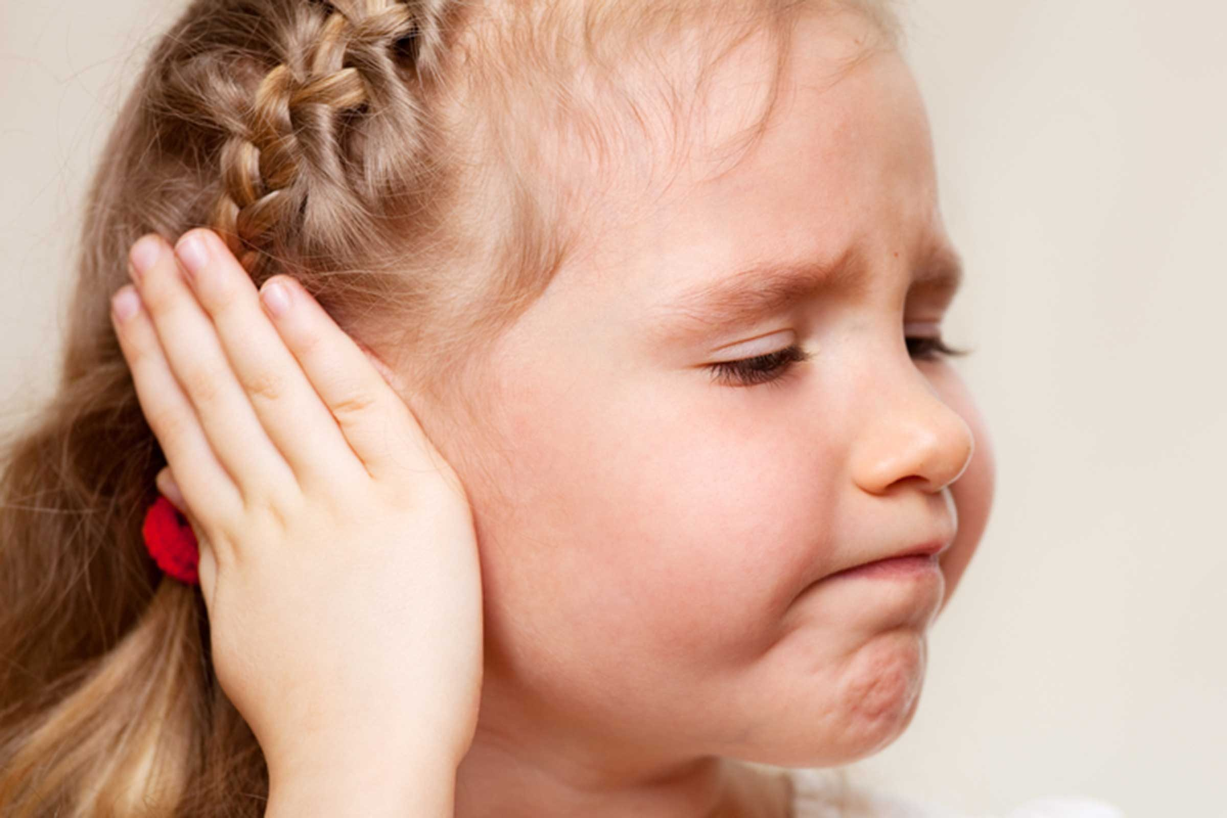ear infection and earache home remedies | reader's digest