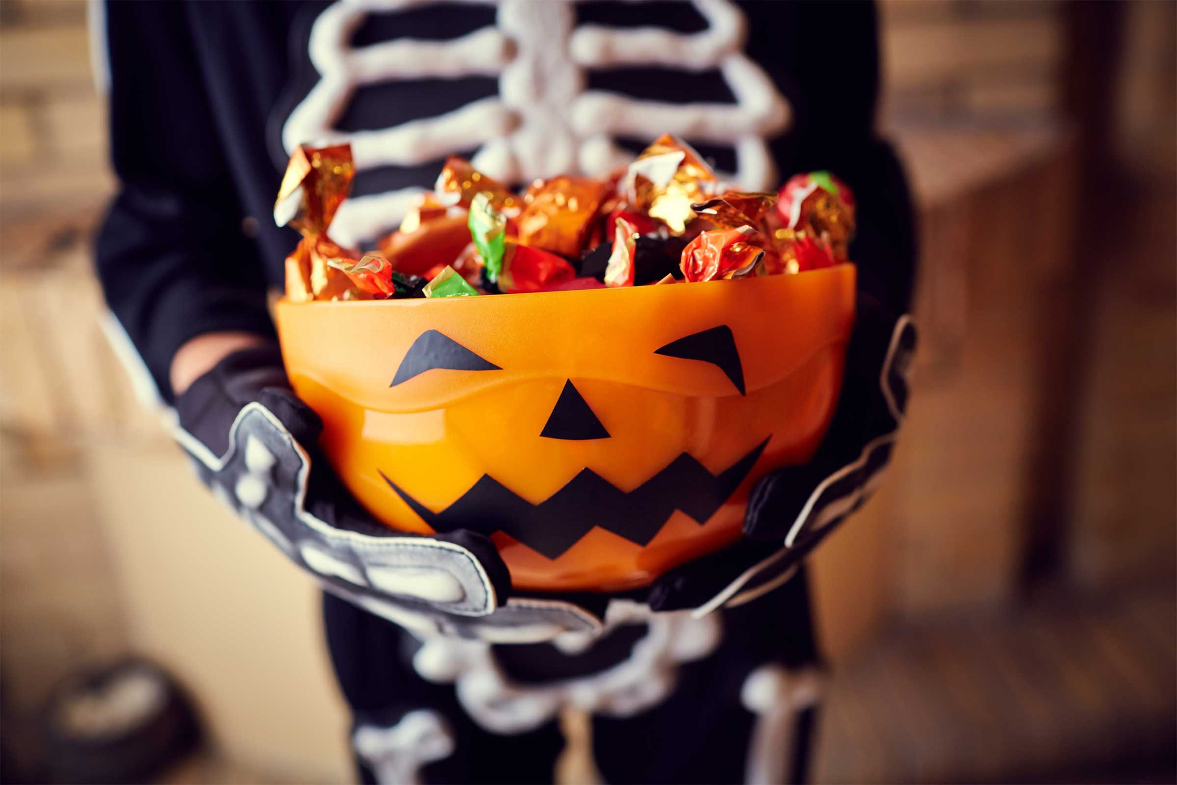 halloween candy facts | reader's digest