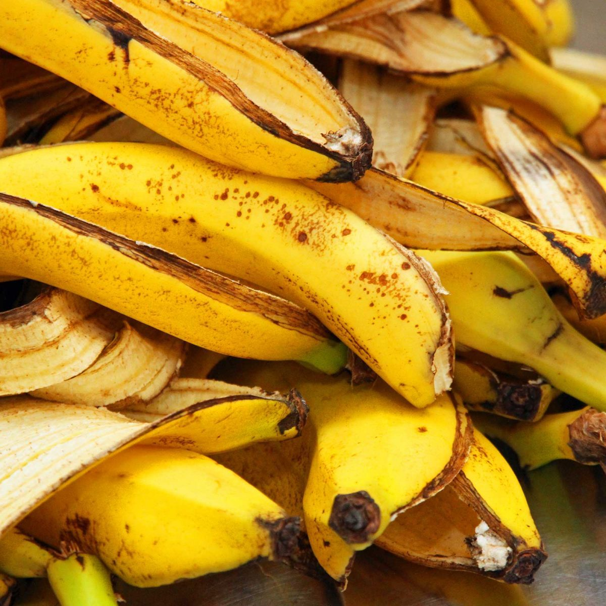 20 Surprising Uses for Bananas (Besides Eating Them)