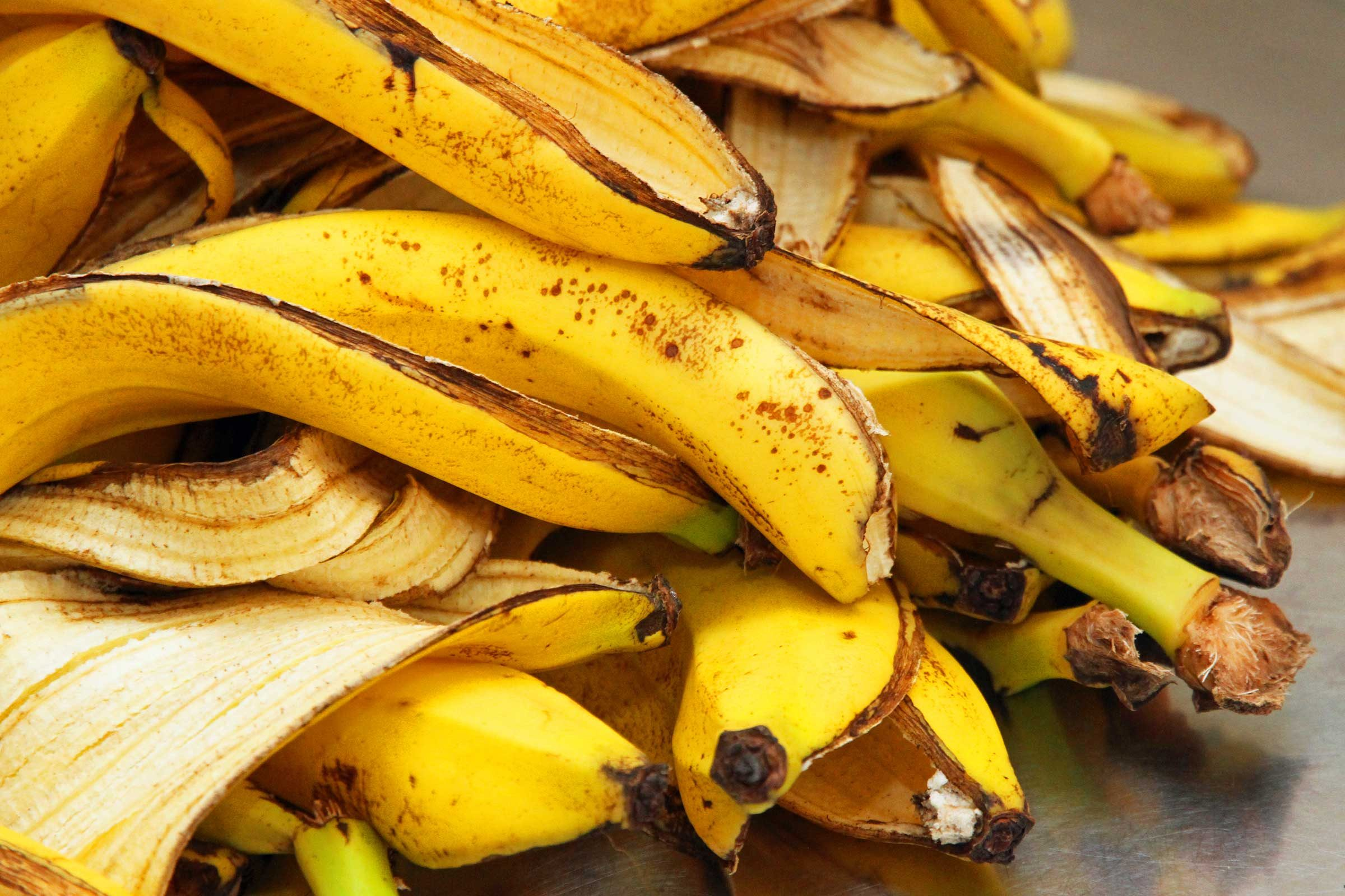 Clever Uses for Bananas (Besides Eating Them) | Reader's ...