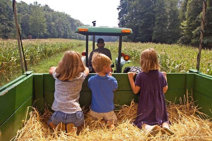 kids enjoying hayride