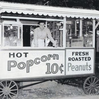 This Broke Veteran Couldn't Find a Job. So He Built His Own Popcorn Cart (And Made a Killing).