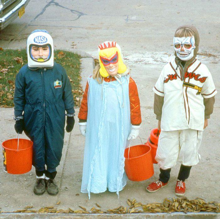 _astronaut-princess-baseball-brilliant-vintage-halloween-costumes
