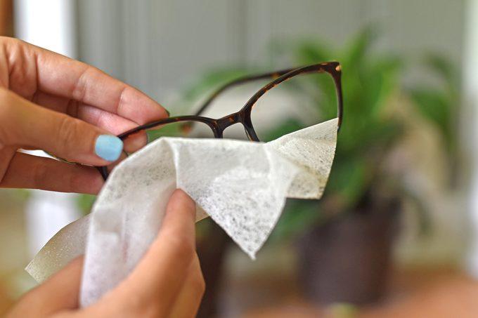 dryer sheet cleaning eye glasses