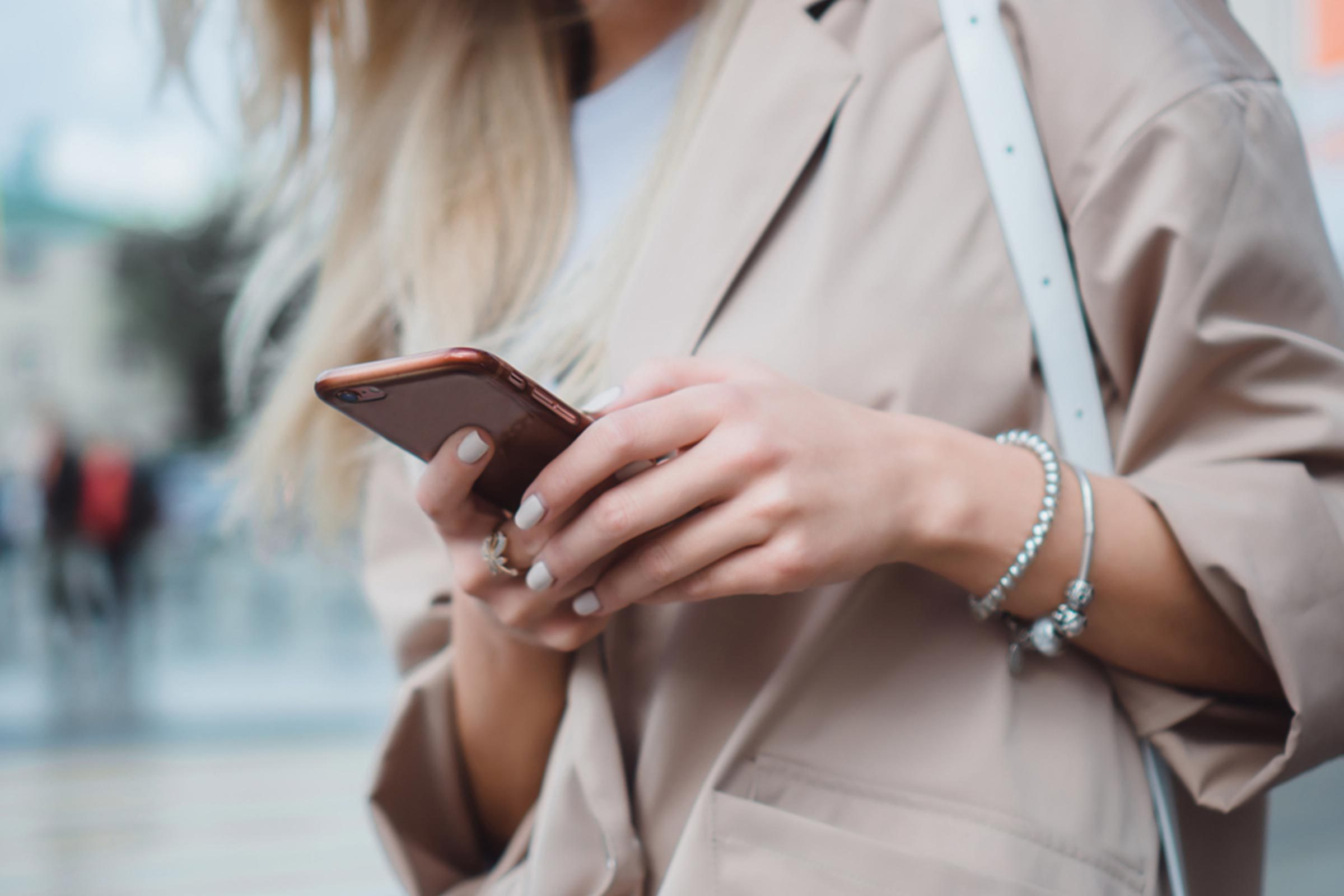10 Group Texting Etiquette Rules Everyone Should Follow
