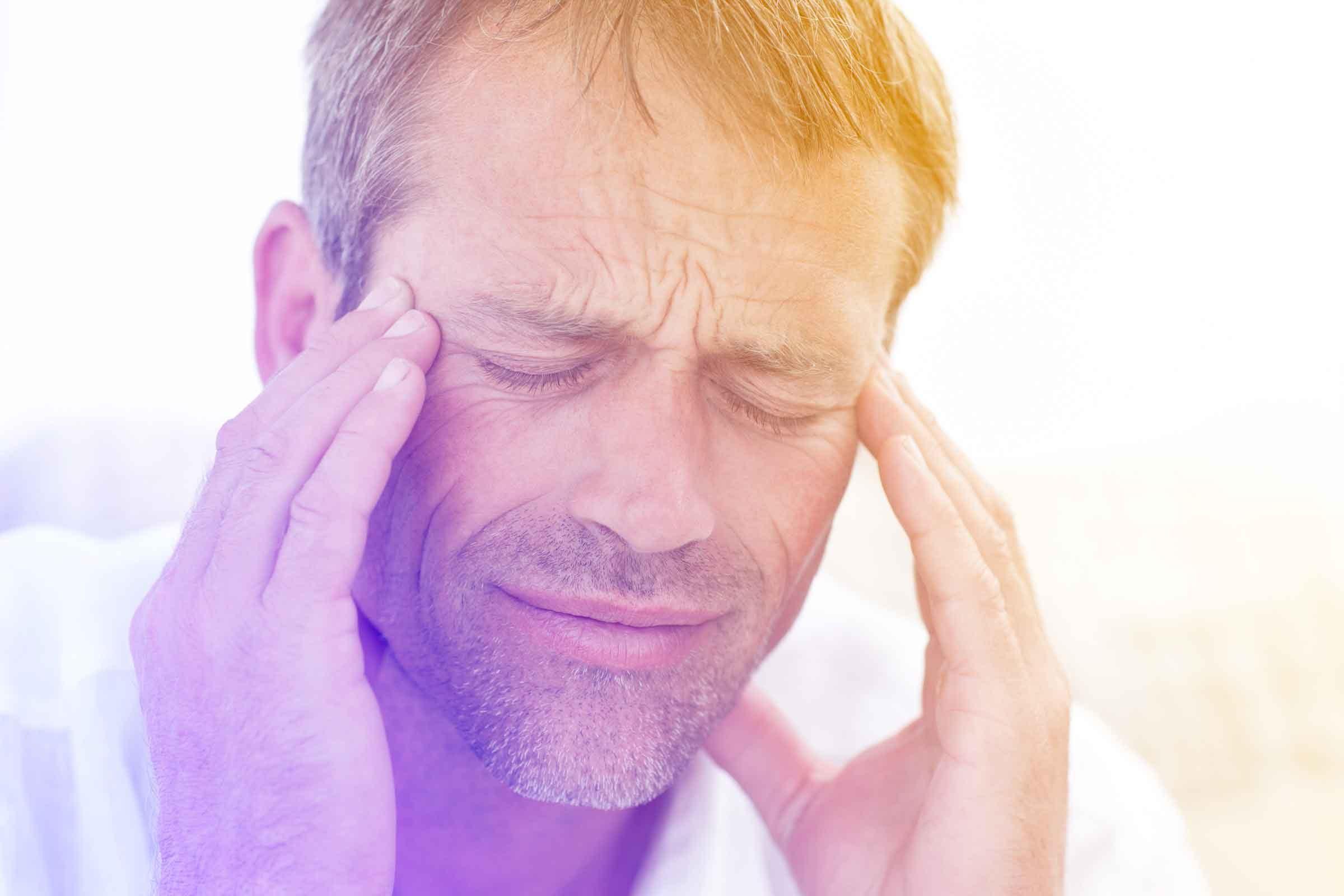 После удара головой болит голова и тошнит
