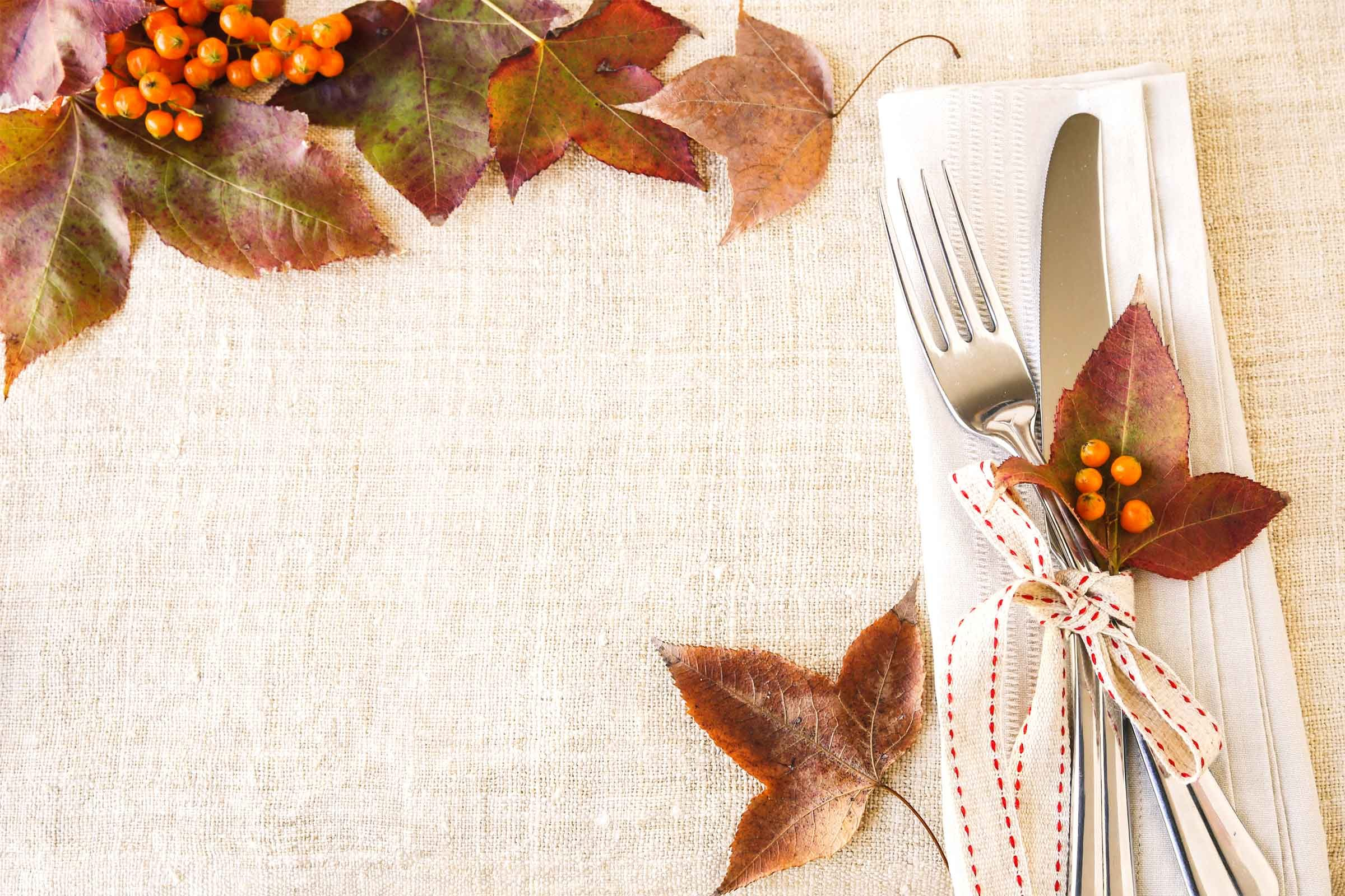 Table covers & Thanksgiving Table Setting Tips for Hosts | Reader\u0027s Digest