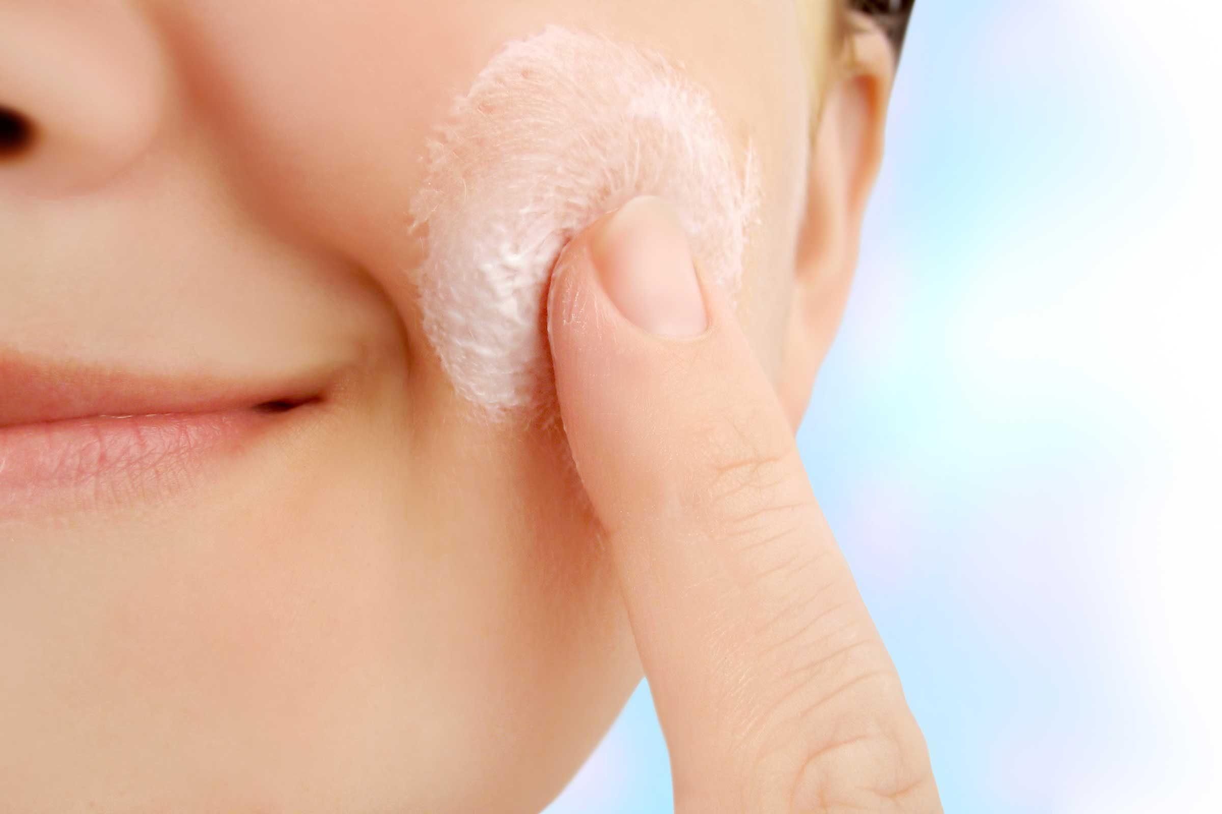 what to use to moisturize face