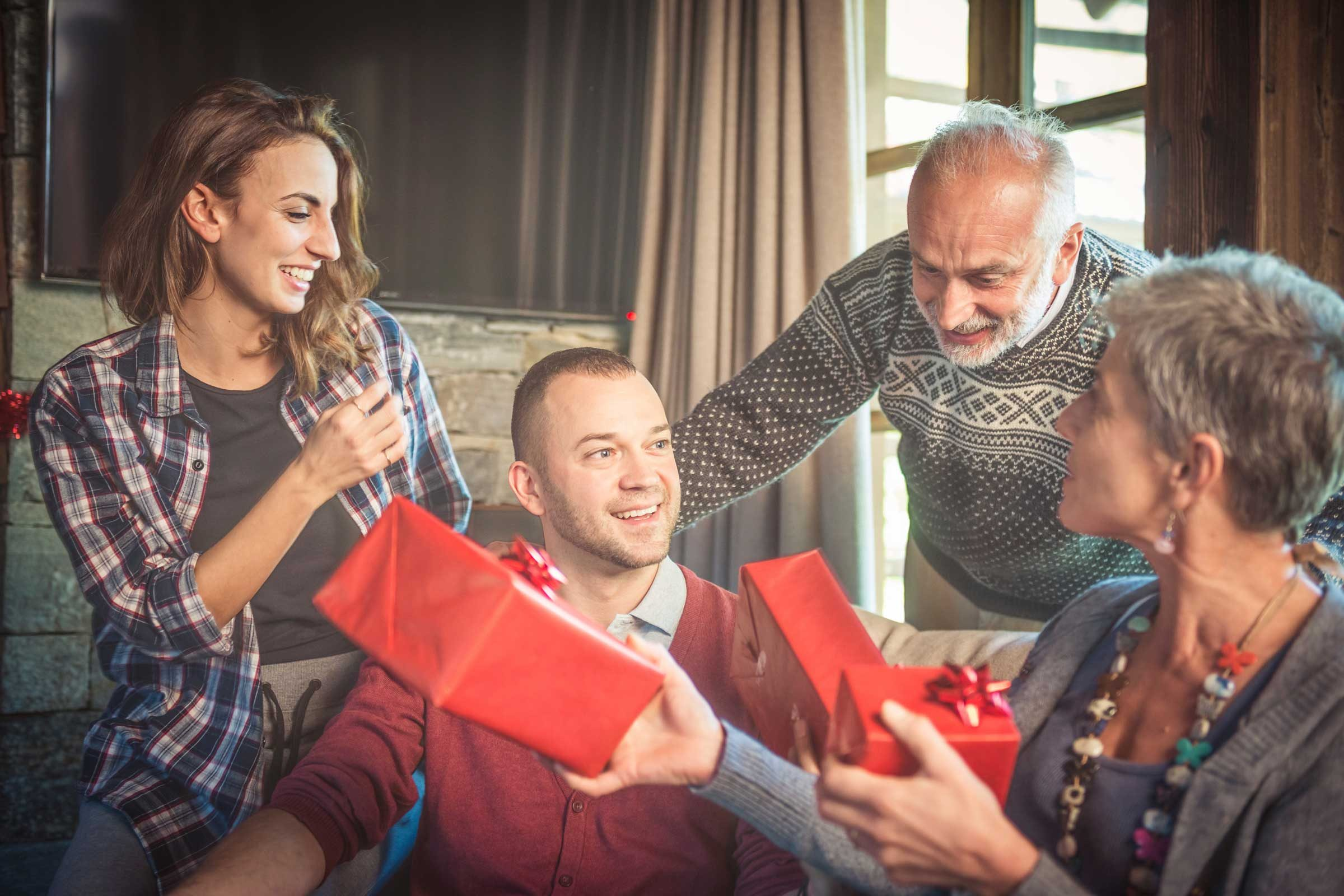 Family Christmas Gift Giving.Bad Gifts That Send The Wrong Message Reader S Digest