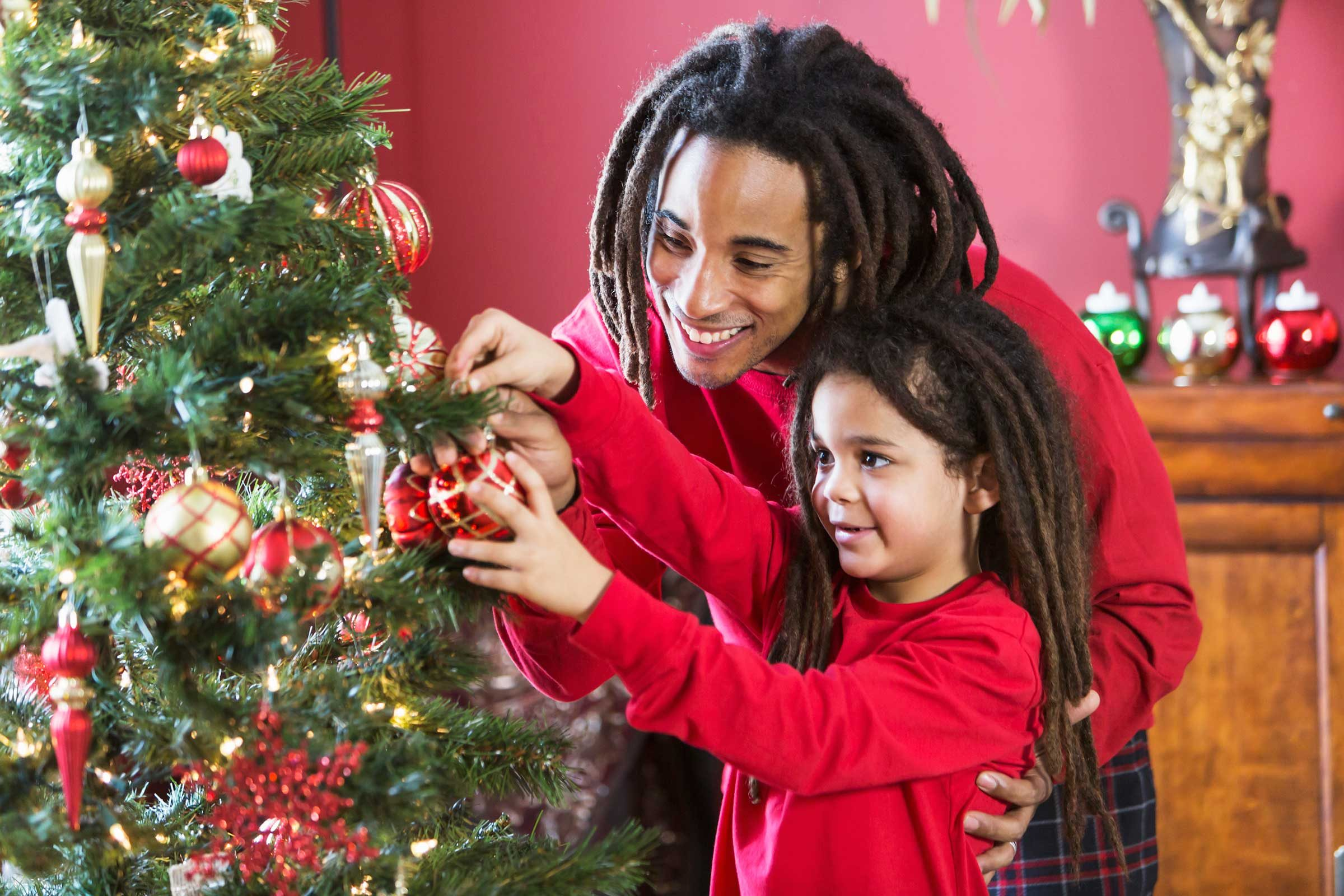Christmas tree secrets what your tree wishes you knew readers digest istockkali9 most real trees will solutioingenieria Image collections