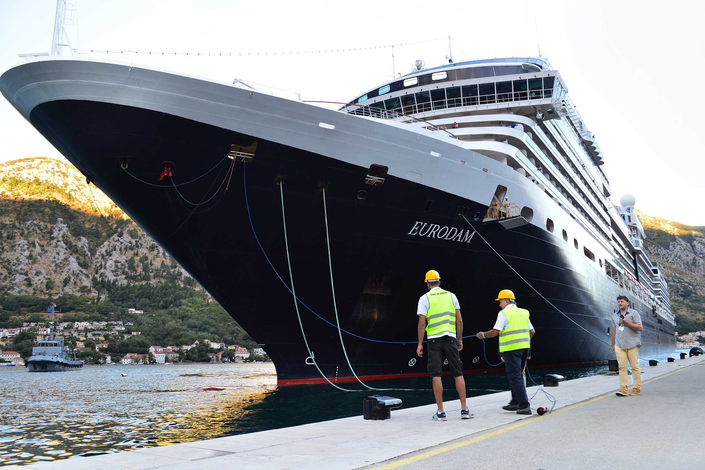 Cruise Advice: What Cruise Lines Won't Tell You   Reader's