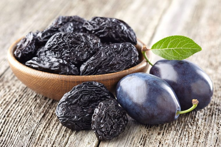 09-prunes-best-foods-eat-when-hangry