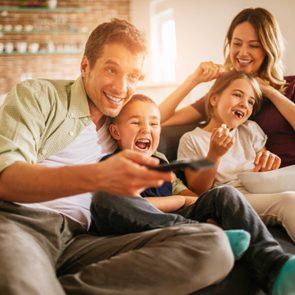 family_bonding_activities_do_instead_black_Friday_shopping_holiday_tv