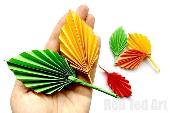 paper leaf kids craft for thanksgiving