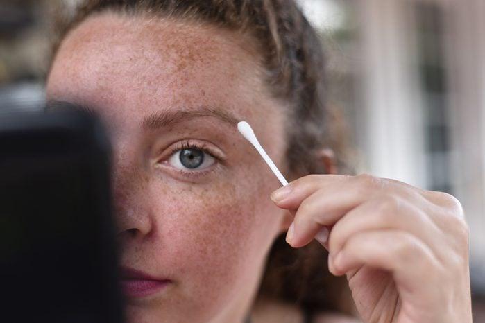 eyebrow fix q tip