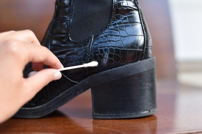 leather scuff q tip q-tip