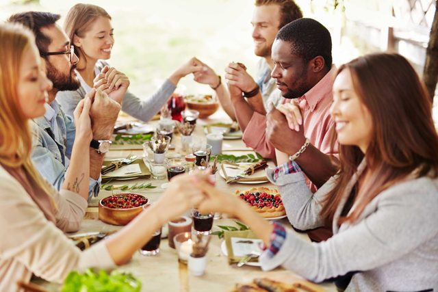 this-may-just-be-the-perfectly-thoughtful-prayer-to-read-at-your-thanksgiving-table