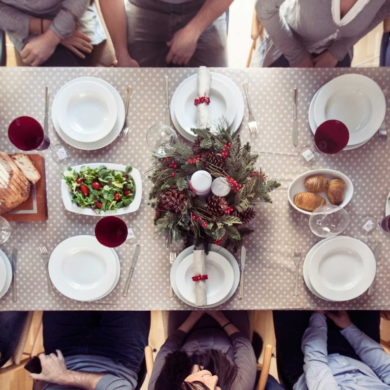 holiday-dinner-seating