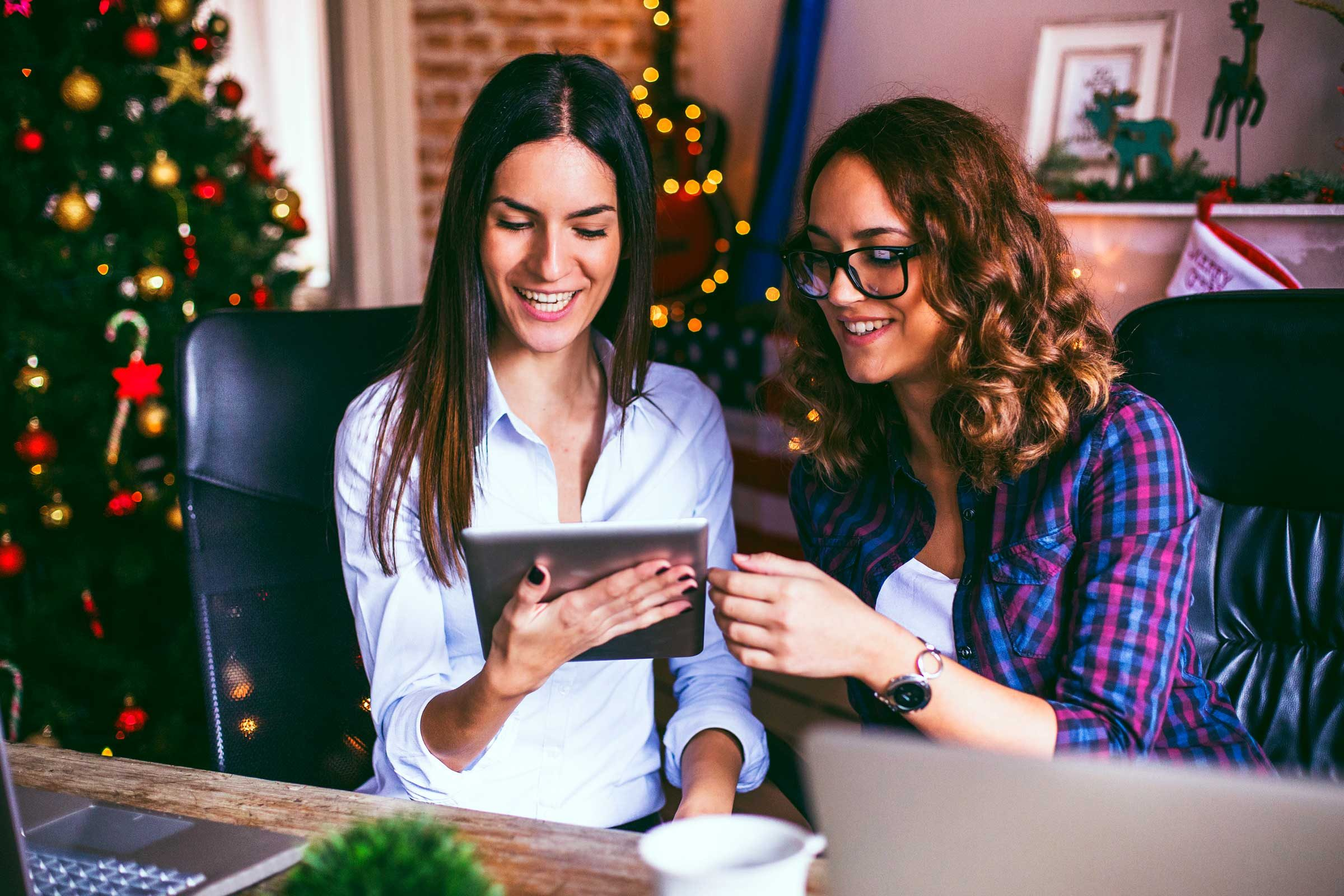 ba6c2414561b4 Holiday Office Party Etiquette Tips | Reader's Digest
