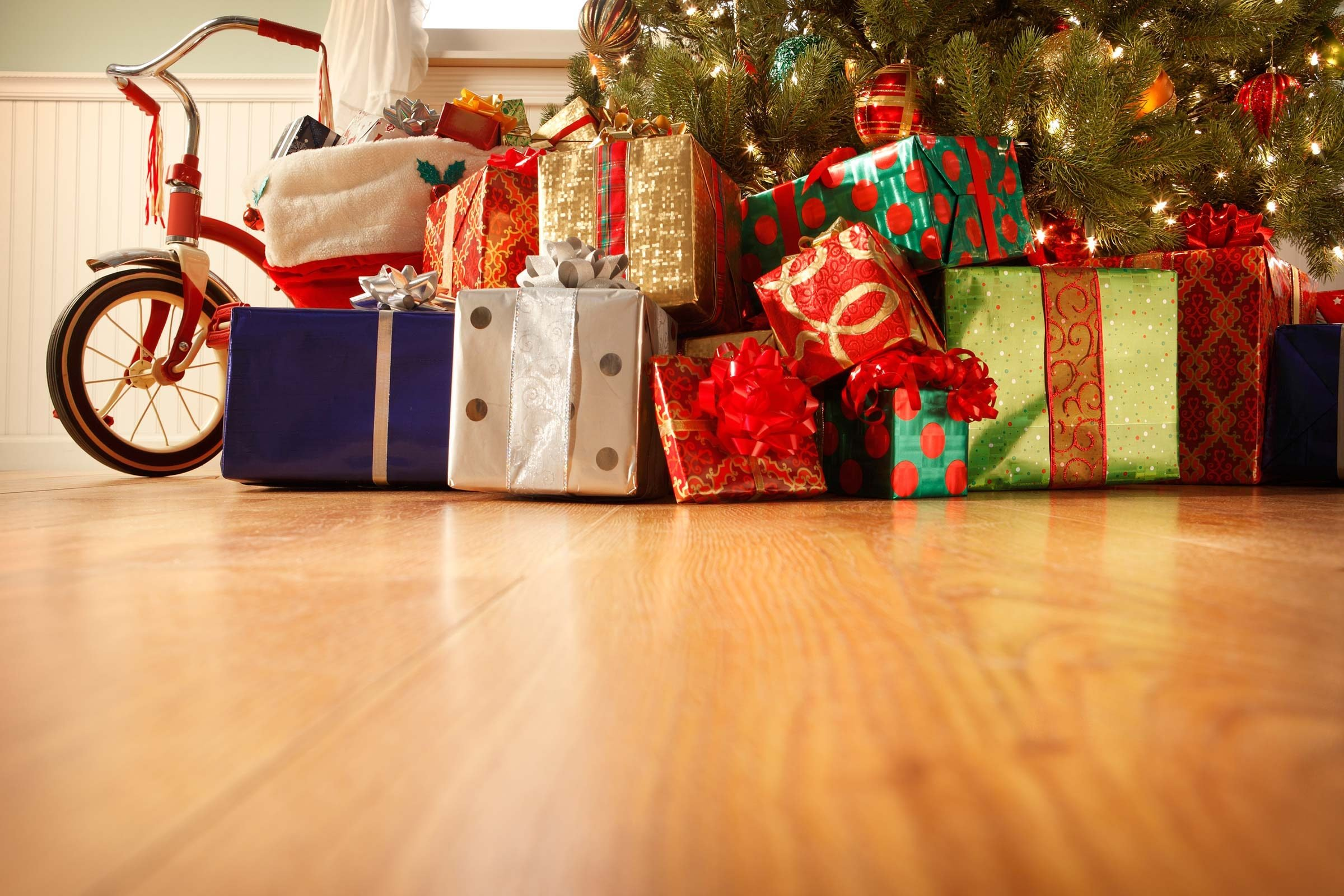 Tips to Save Money on Holiday Shopping | Reader\'s Digest