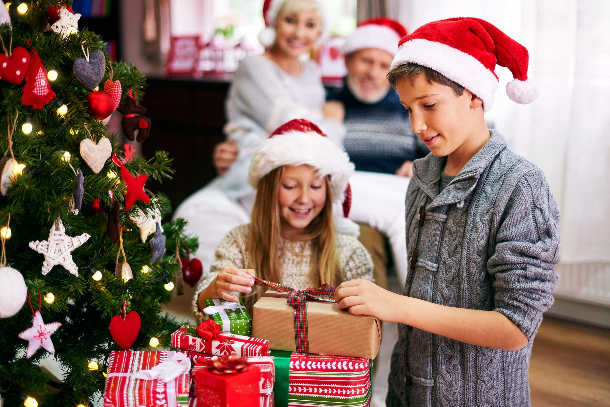 Is Santa Real? How to Break the Truth to Your Kids | Reader\'s Digest