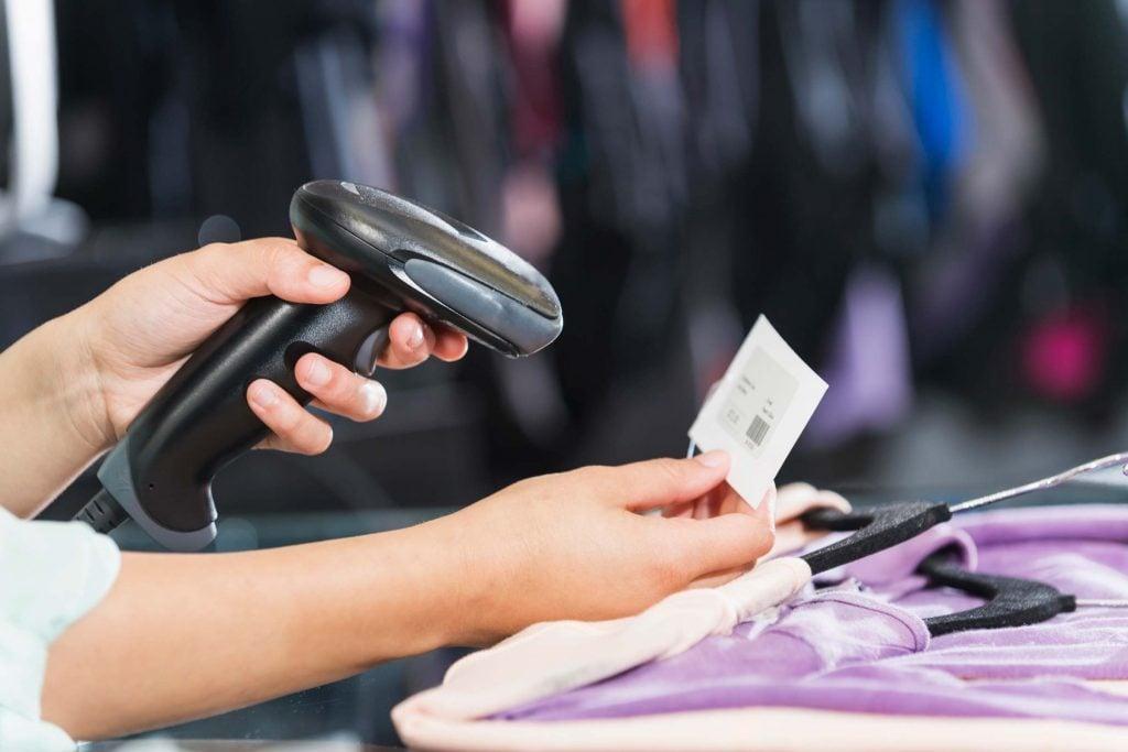 04-cashiers-things-macys-employees-wish-you-knew