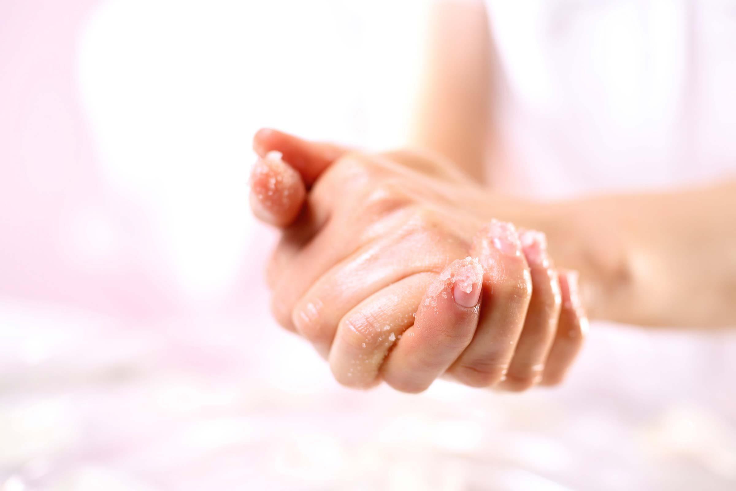 К чему снятся ногти на руках ломаются свои
