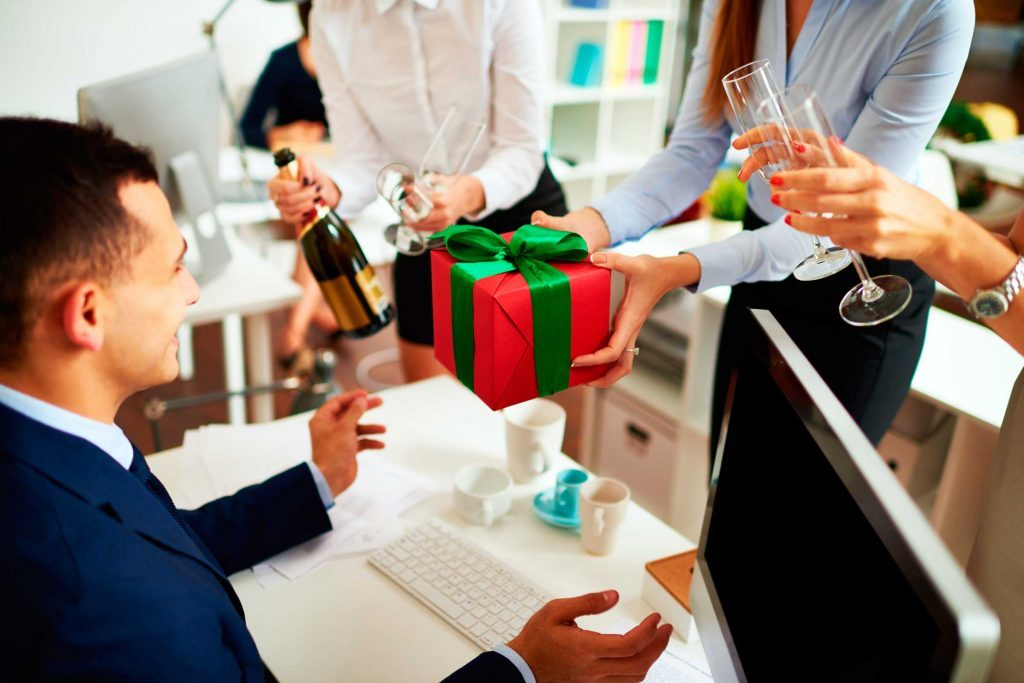 Gift Giving Etiquette For The Holidays Reader S Digest