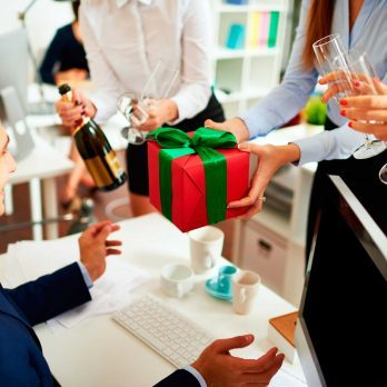 10 Pieces of Gift-Giving Etiquette You Need This Holiday Season